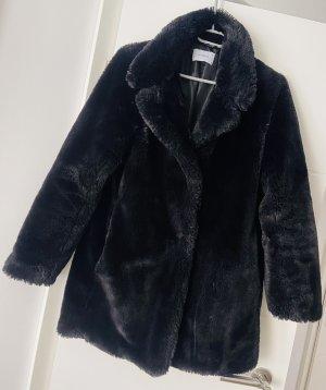 Reserved Cappotto in eco pelliccia nero
