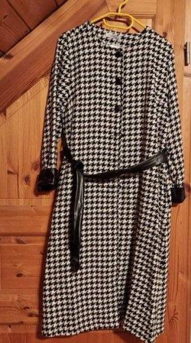Mantel schwarz weiß kariert elegant