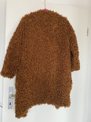 Mantel Teddy