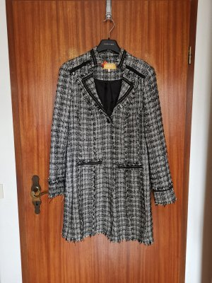 Biba Between-Seasons Jacket white-black