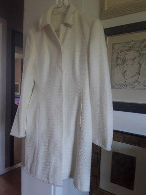 Mantel von Brunetti.