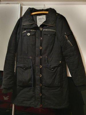 Madonna Robe manteau noir