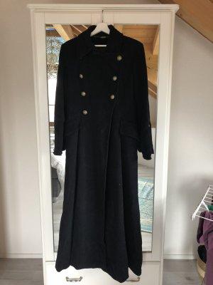 Mantel von Nicowa in schwarz