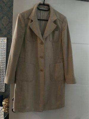 Mantel von Stemile