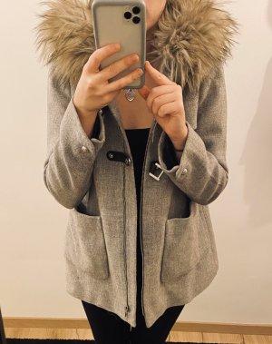 Zara Abrigo corto gris