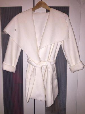 Mantel-Weiß