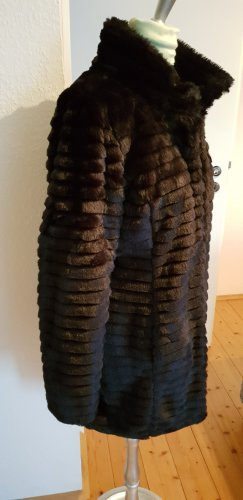 Dorothy Perkins Cappotto in eco pelliccia nero