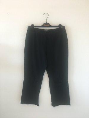 Marc Cain Sports schwarz Luxus Designer Marke Dreiviertel Capri Hose elastisch bequem edel schlicht zeitlos