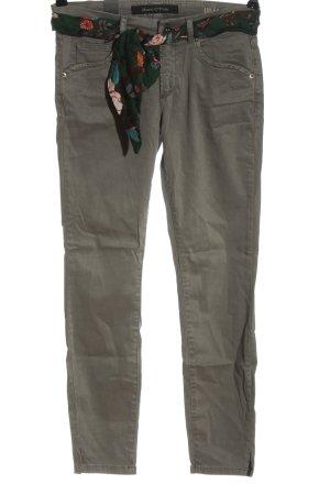 Marc O'Polo pantalón de cintura baja gris claro look casual