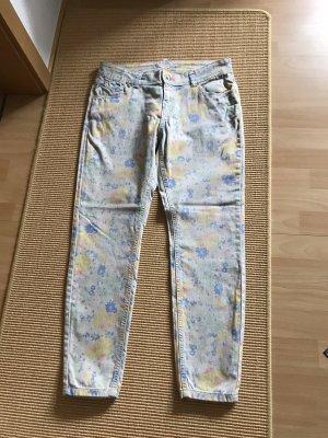 Marc O Polo Sommer-Jeans mit Blumenmuster Gr. 33/30