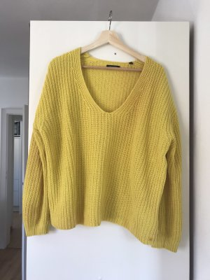 Marco Polo Crochet Sweater yellow