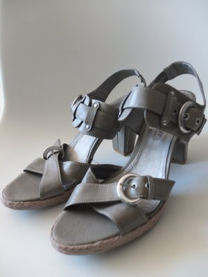 Marco Tozzi Riemchen Sandaletten mit Absatz Größe 39 Neu