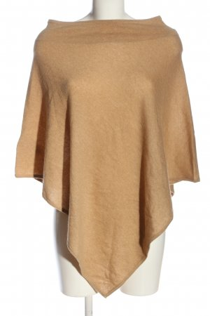 Marie Lund Poncho nude casual look