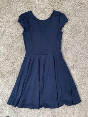 Marineblaues Sommerkleid in Größe S