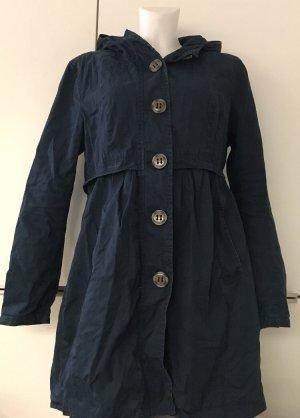 Marinefarbener Mantel mit Kapuze
