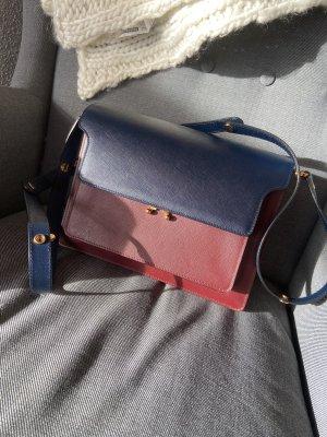 Marni Tasche Trunk blau rot