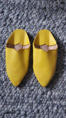 Pantofel żółty Skóra