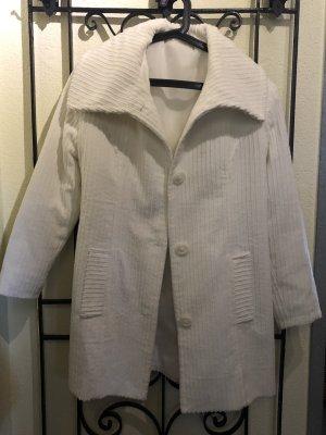 Maßangefertigter Mantel