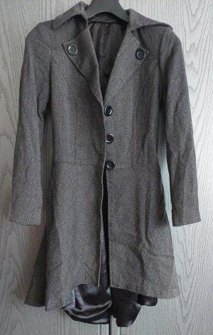 Maßgeschneiderter Mantel