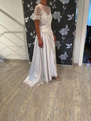 Maßgeschneidertes Brautkleid