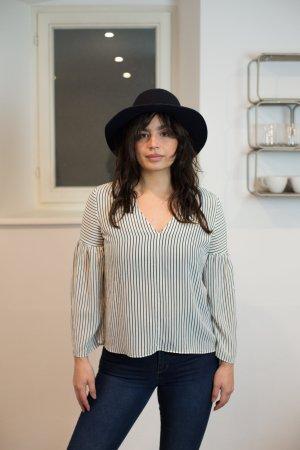 Massimo Dutti Bluse - Perfekt fürs Büro oder im Home Office - Shop the Outfit