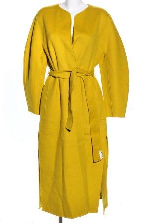 Massimo Dutti Abrigo de lana amarillo pálido look casual