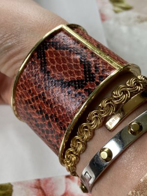 Bangle brown-gold-colored