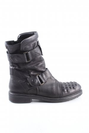 Matchless Botas bajas negro look casual