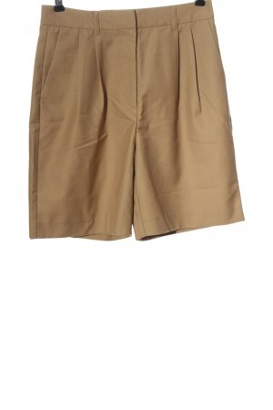 Mathilde Gohler x Nakd High-Waist-Shorts nude casual look