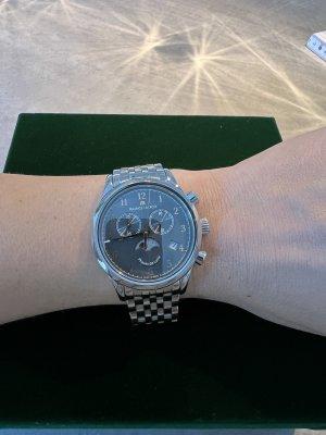 Maurice Lacroix Montre avec bracelet métallique argenté-gris