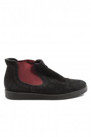 MAX Chelsea Boots