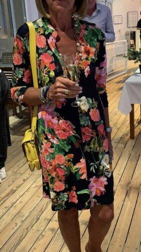 Max Volmery wunderschönes Kleid