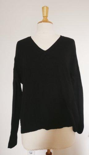 MByM lässiger Pullover schwarz S/M mit V-Auschnitt
