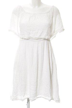 mbyM schulterfreies Kleid weiß Casual-Look