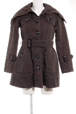 mbyM Trenchcoat grau Street-Fashion-Look
