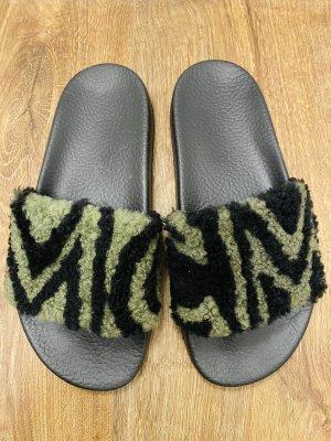 MCM Sandały plażowe czarny-oliwkowy