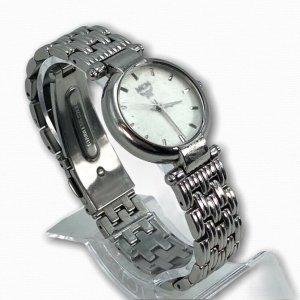 MCM Damen Armbanduhr 2453 L Silber Weiß Uhr Vintage LogoPrint