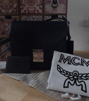 MCM Ledertasche Patricia schwarz/silber neuwertiger Zustand  NP:850,--