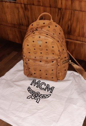MCM Stark Rucksack in Visetos mit seitlichen Nieten Cognac Neu