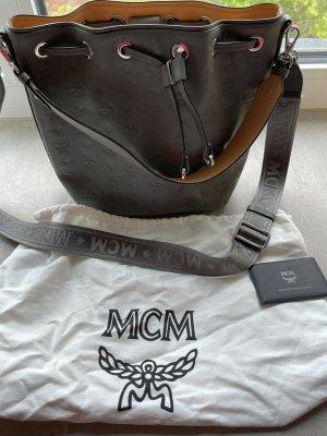 MCM Umhängetasche essential Mono