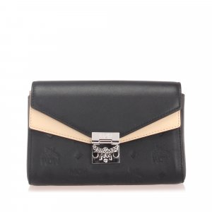 MCM Visetos Leather Wallet On Chain