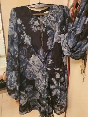 Mega schönes kleid mit auschnitt hinten offen