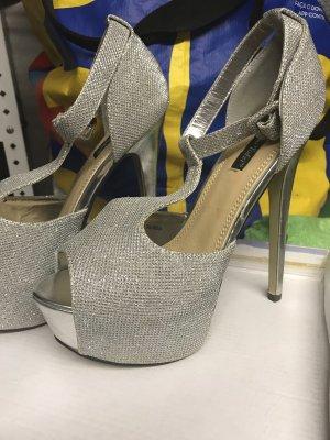 Mega Schuhe