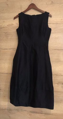 COS vestido de globo negro-azul oscuro