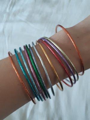 Mehrfarbige starre Armbänder / Armreifen