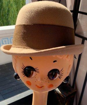 Chapeau melon marron clair-chameau