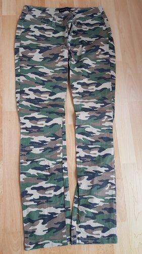 Melrose Hose im Camouflage Style
