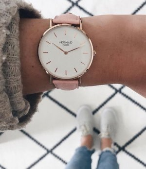 Watch With Leather Strap pink-light pink
