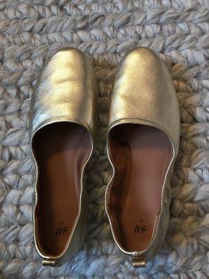 H&M Ballerina di pelle verniciata oro