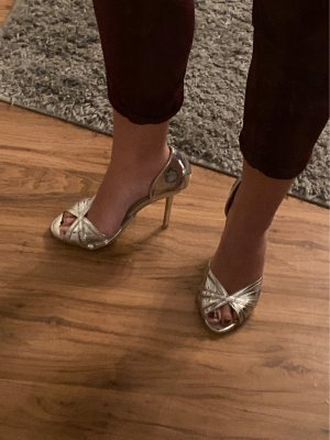 Metallic Peeptoes